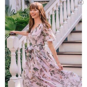 NWT Gal Meets Glam Phoebe Dress